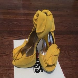 Red Kiss Yellow Heels